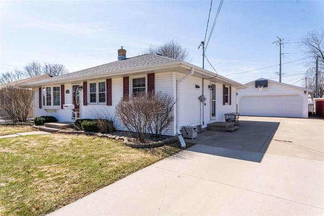 416 S James Street, Kimberly, WI 54136 (#50220004) :: Dallaire Realty