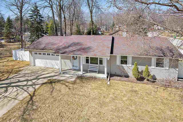 1990 Wood Lane, Green Bay, WI 54304 (#50220022) :: Dallaire Realty