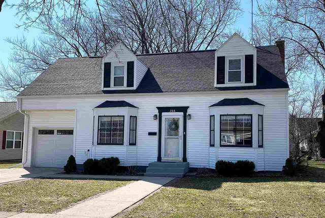 266 E Liberty Street, Berlin, WI 54923 (#50220046) :: Todd Wiese Homeselling System, Inc.