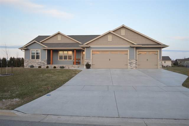 1530 Woodview Lane, Luxemburg, WI 54217 (#50220049) :: Todd Wiese Homeselling System, Inc.