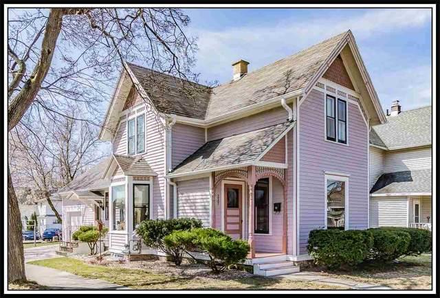 227 E 9TH Street, Kaukauna, WI 54130 (#50220052) :: Todd Wiese Homeselling System, Inc.