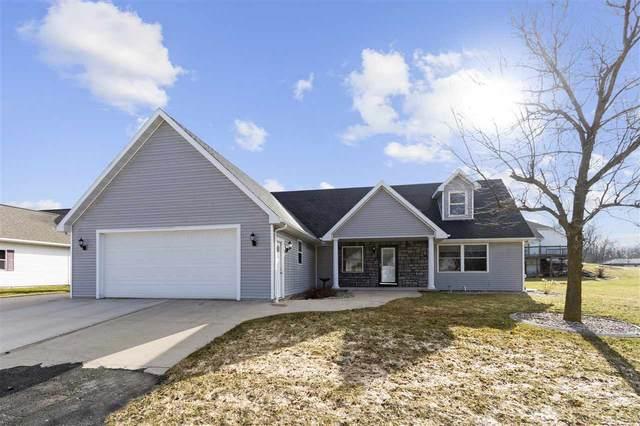 1530 Orchard Drive, Kaukauna, WI 54130 (#50220056) :: Todd Wiese Homeselling System, Inc.