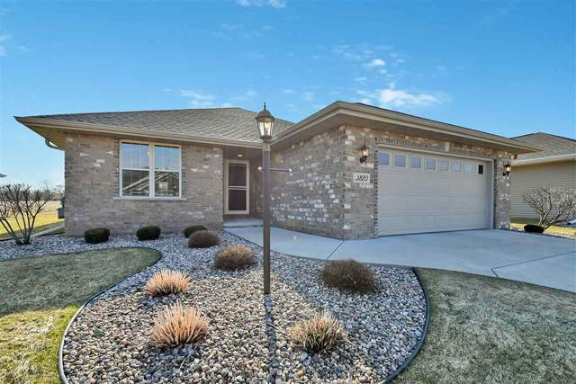 3820 Shore Crest Lane, Green Bay, WI 54311 (#50220113) :: Todd Wiese Homeselling System, Inc.