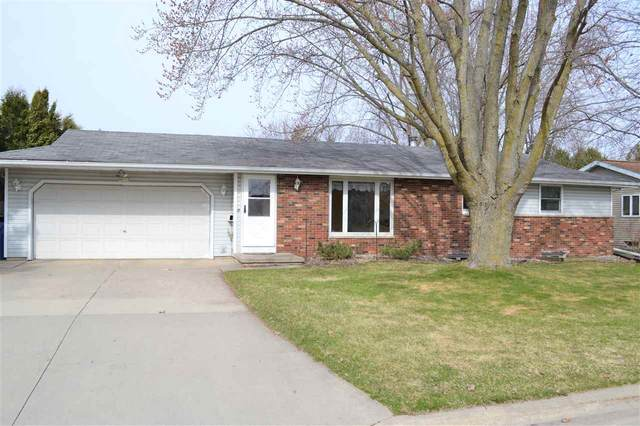 N4113 Garvey Avenue, Kaukauna, WI 54130 (#50220143) :: Todd Wiese Homeselling System, Inc.