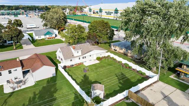 889 Stadium Drive, Green Bay, WI 54304 (#50220149) :: Todd Wiese Homeselling System, Inc.
