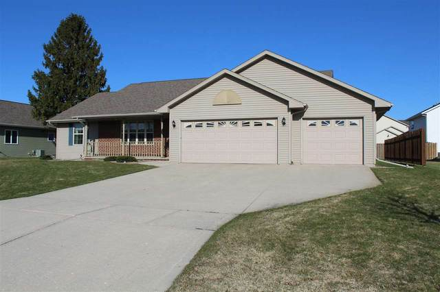 371 Charity Lane, Green Bay, WI 54311 (#50220154) :: Symes Realty, LLC