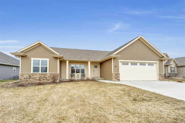 517 Pebblestone Circle, Hobart, WI 54155 (#50220156) :: Todd Wiese Homeselling System, Inc.