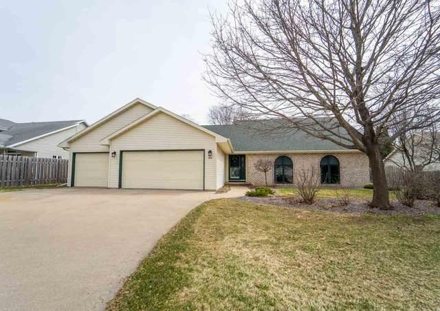 2061 Lynn Drive, Neenah, WI 54956 (#50220175) :: Todd Wiese Homeselling System, Inc.