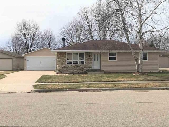 525 Willow Drive, Kaukauna, WI 54130 (#50220193) :: Todd Wiese Homeselling System, Inc.