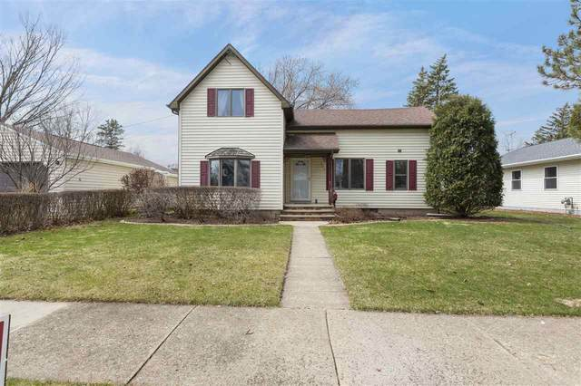 338 S Birch Street, Kimberly, WI 54136 (#50220230) :: Todd Wiese Homeselling System, Inc.