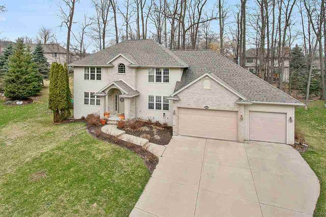 2868 Ogdan Woods Drive, Green Bay, WI 54313 (#50220356) :: Todd Wiese Homeselling System, Inc.