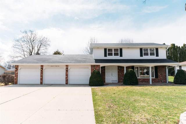 2621 Shade Tree Lane, Green Bay, WI 54313 (#50220400) :: Todd Wiese Homeselling System, Inc.