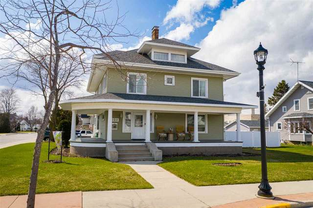 823 4TH Street, Algoma, WI 54201 (#50220527) :: Todd Wiese Homeselling System, Inc.
