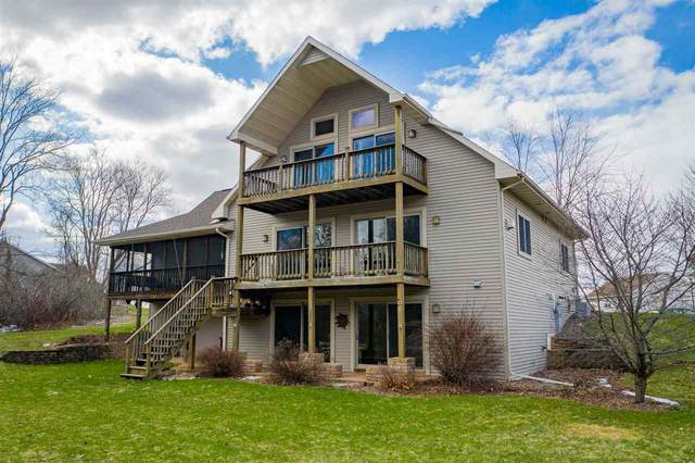 218 Emily Way, Hortonville, WI 54944 (#50220609) :: Todd Wiese Homeselling System, Inc.