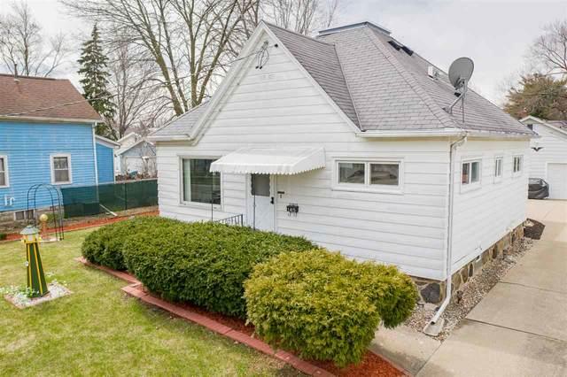 1415 N Harriman Street, Appleton, WI 54911 (#50220678) :: Todd Wiese Homeselling System, Inc.