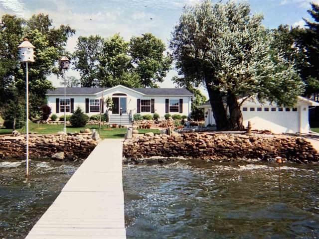 7748 Bay Lane, Fremont, WI 54940 (#50220786) :: Todd Wiese Homeselling System, Inc.