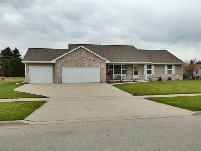 823 Canterbury Castle Lane, Green Bay, WI 54313 (#50220857) :: Todd Wiese Homeselling System, Inc.