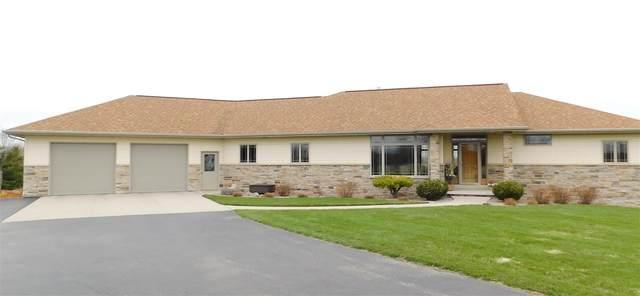 4201 Hwy C, Pulaski, WI 54162 (#50220913) :: Todd Wiese Homeselling System, Inc.