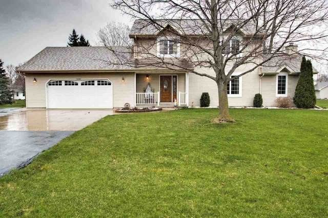 N1402 Highgreen Drive, Greenville, WI 54942 (#50221055) :: Todd Wiese Homeselling System, Inc.