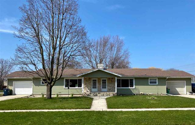 423 Hawthorne Drive, Fond Du Lac, WI 54935 (#50221059) :: Todd Wiese Homeselling System, Inc.