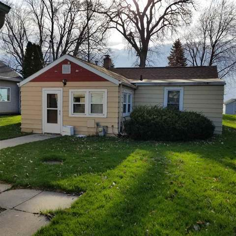 3016 Shorewood Drive, Oshkosh, WI 54901 (#50221191) :: Todd Wiese Homeselling System, Inc.