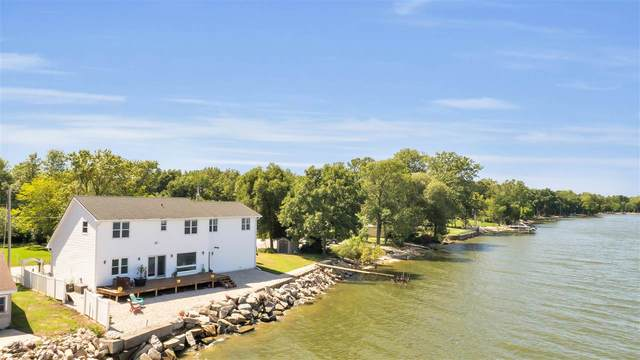4745 Edgewater Beach Road, Green Bay, WI 54311 (#50221206) :: Todd Wiese Homeselling System, Inc.