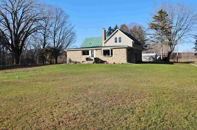 5420 Bramschreiber Road, Little Suamico, WI 54141 (#50221213) :: Dallaire Realty