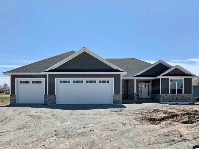 425 Rivers Edge Drive, Kimberly, WI 54136 (#50221351) :: Todd Wiese Homeselling System, Inc.