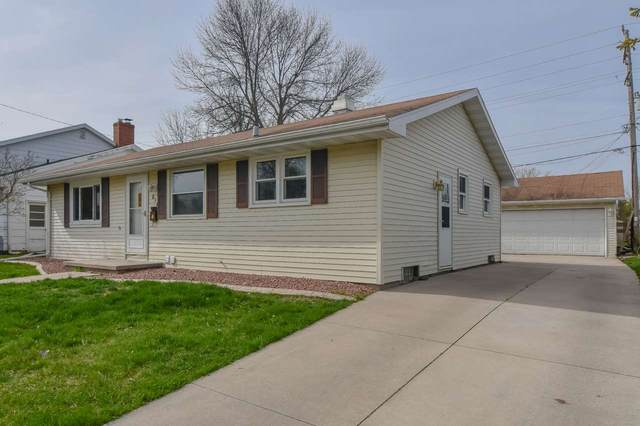 814 W Lindbergh Street, Appleton, WI 54914 (#50221361) :: Dallaire Realty