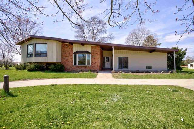 1519 Paynes Point Road, Neenah, WI 54956 (#50221368) :: Dallaire Realty