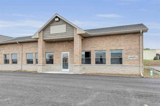 1680 Mid Valley Drive, De Pere, WI 54115 (#50221399) :: Todd Wiese Homeselling System, Inc.