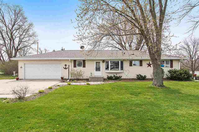 315 N Webster Avenue, Omro, WI 54963 (#50221430) :: Dallaire Realty