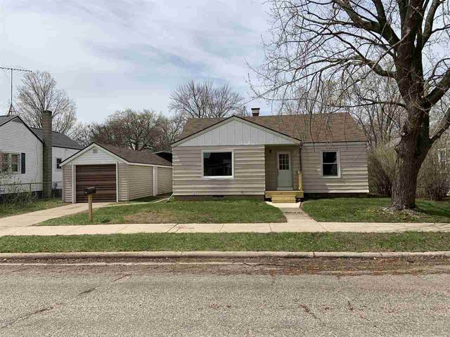 725 S Maiden Lane, Shawano, WI 54166 (#50221445) :: Todd Wiese Homeselling System, Inc.
