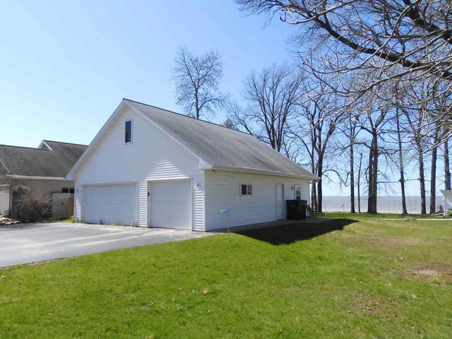 4987 Edgewater Beach Road, Green Bay, WI 54311 (#50221488) :: Todd Wiese Homeselling System, Inc.