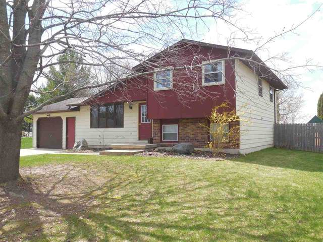 219 Linda Lane, Coleman, WI 54112 (#50221489) :: Dallaire Realty