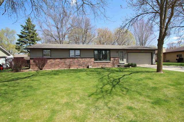 2343 Yellowstone Drive, Green Bay, WI 54311 (#50221501) :: Dallaire Realty