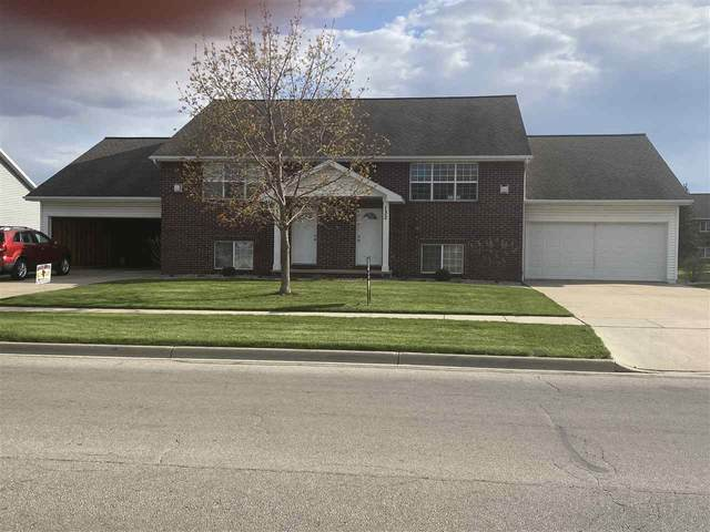 130 East River Drive, De Pere, WI 54115 (#50221558) :: Todd Wiese Homeselling System, Inc.