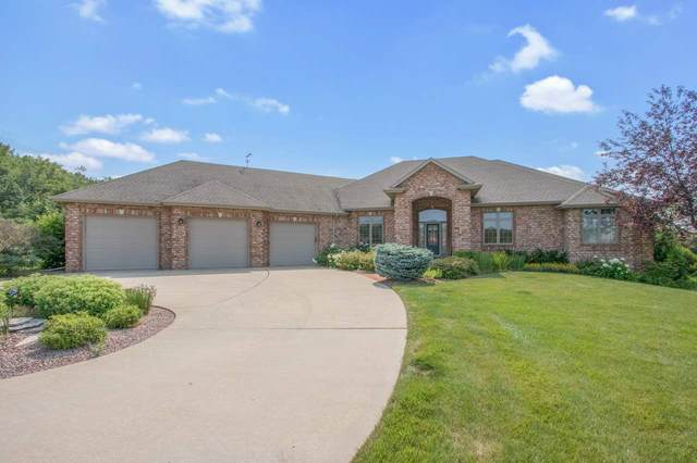 2165 Ridge Haven Court, De Pere, WI 54115 (#50221661) :: Todd Wiese Homeselling System, Inc.