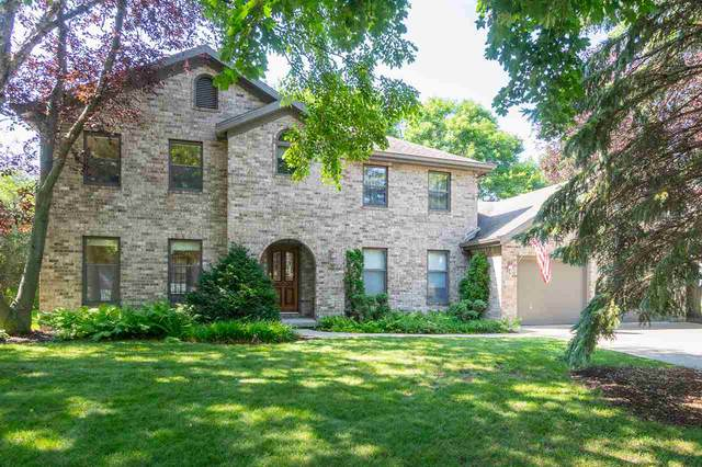 911 E Foxmoor Lane, Appleton, WI 54911 (#50221715) :: Todd Wiese Homeselling System, Inc.