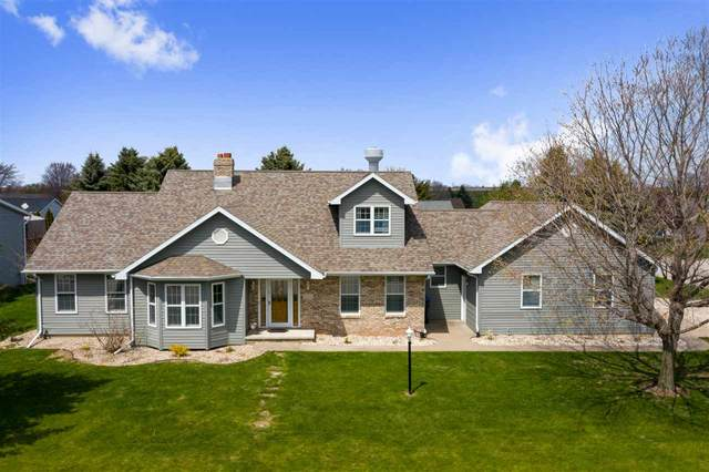 2004 W Roselawn Drive, Appleton, WI 54914 (#50221777) :: Todd Wiese Homeselling System, Inc.