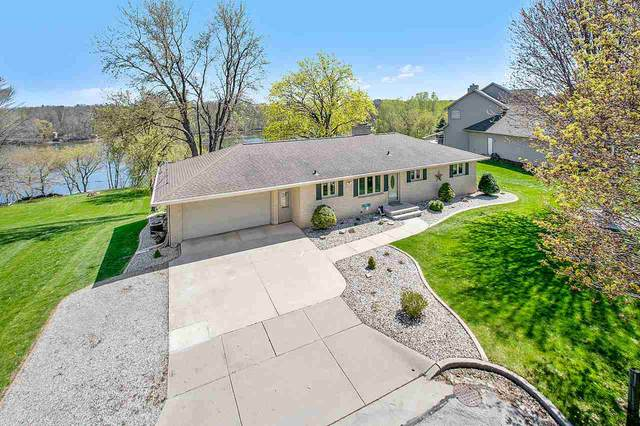 1005 Park Street, Wrightstown, WI 54180 (#50221806) :: Todd Wiese Homeselling System, Inc.
