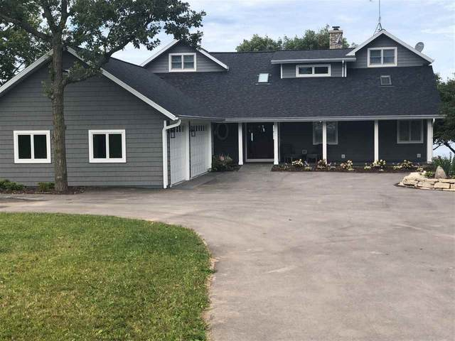 5717 Bay Shore Drive, Sturgeon Bay, WI 54235 (#50221838) :: Todd Wiese Homeselling System, Inc.