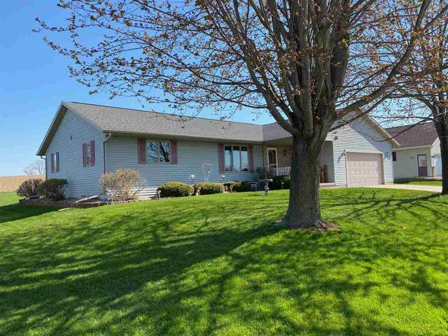 424 W Hawthorne Drive, Waupun, WI 53963 (#50221856) :: Dallaire Realty
