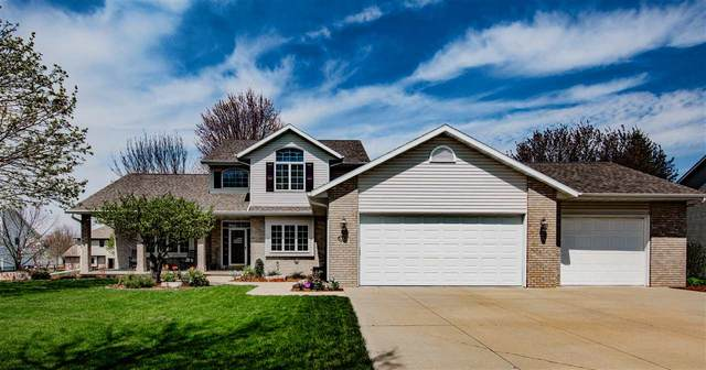 310 E Apple Creek Road, Appleton, WI 54913 (#50221901) :: Todd Wiese Homeselling System, Inc.