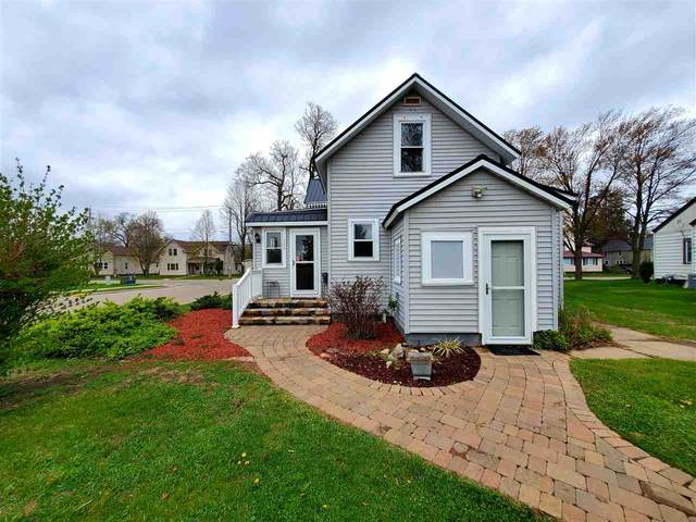 504 E 5TH Street, Shawano, WI 54166 (#50221904) :: Todd Wiese Homeselling System, Inc.