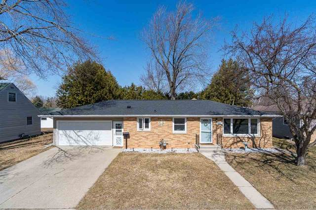 318 Wallace Street, Combined Locks, WI 54113 (#50221982) :: Dallaire Realty