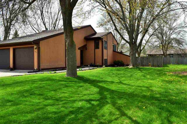 819 Manitowish Place, De Pere, WI 54115 (#50222099) :: Todd Wiese Homeselling System, Inc.