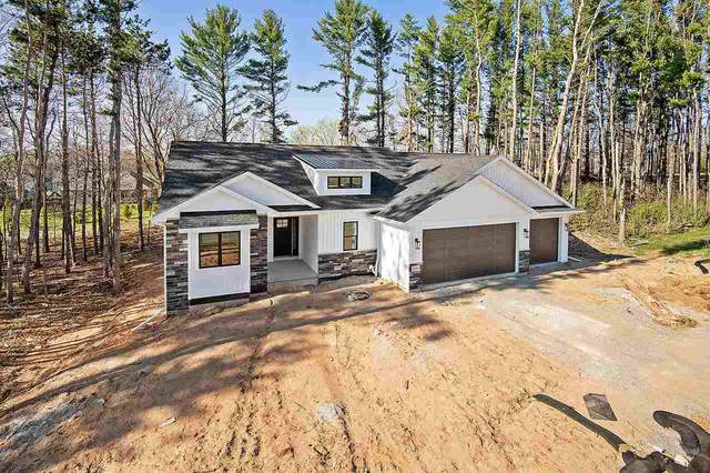 3722 Rustic Heights Court, Green Bay, WI 54313 (#50222133) :: Todd Wiese Homeselling System, Inc.