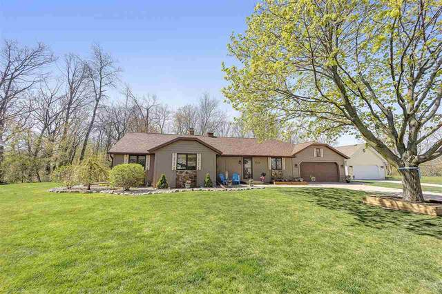 2740 Woodland Hills Court, Green Bay, WI 54311 (#50222145) :: Todd Wiese Homeselling System, Inc.
