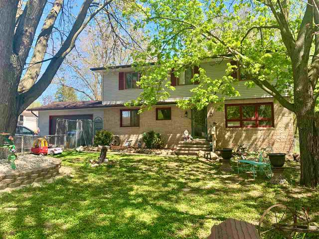 136 S Johnson Street, Berlin, WI 54923 (#50222155) :: Todd Wiese Homeselling System, Inc.